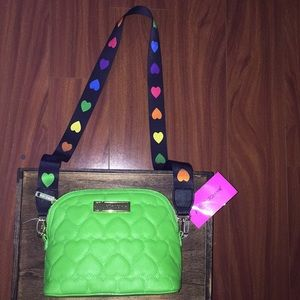 💕NWT Betsey Johnson Quilted Heart Crossbody 👛